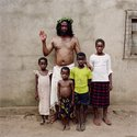 Pieter Hugo, Malachy Udegbunam with children, Enugu, Nigeria, 2008