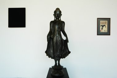 Left to right at Jensen: Gunter Umberg, Untitled, 2010, pigment, dammar on panel; Burmese standing Buddha on Lotus base, lost wax bronze cast c.1880; Chikanobu, Portrait of Court Lady, 19th century Japanese woodblock