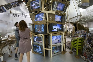 Thomas Hirschhorn at the Swiss Pavillion. Image courtesy: la Biennale di Venezia