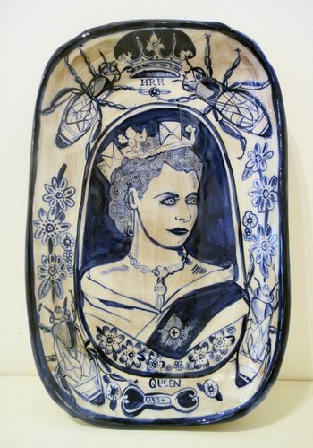 "Sam Mitchell, ""HRH Queen"", 2014.  Ceramic, 40 × 335 × 220mm."