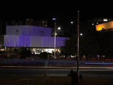 Carlos Cruz-Diez, Chromointerference, 2020, (install view) Aotea Centre Wrap, Aotea Square commissioned by Te Tuhi, Auckland, and Auckland Live presented in association with Auckland Arts Festival 2020 © Adagp, Paris 2020 photo by Sam Hartnett