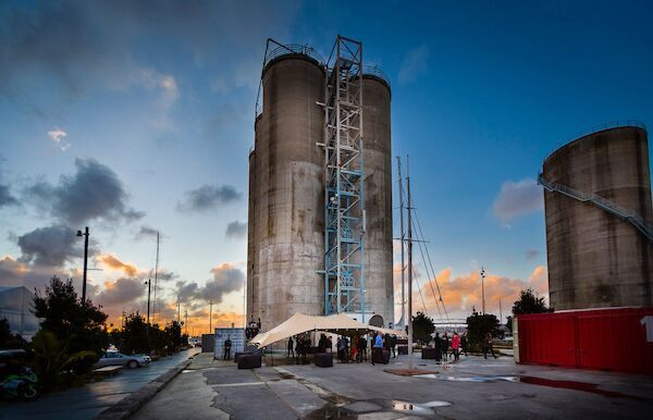 roche's silo installation – eyecontact